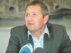 Slovinský trenér Matjaž Kek na tiskové konferenci v hotelu Vladimír.