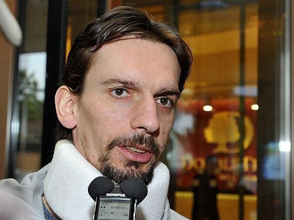 Český hokejový obránce Radek Martínek.