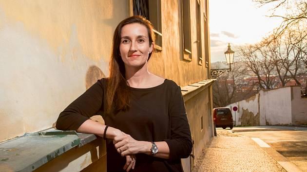 """""""Zneužívání léků probíhá skrytě, dlouho si toho nemusí nikdo všimnout,"""" varuje  Miroslava Mašlániová."""