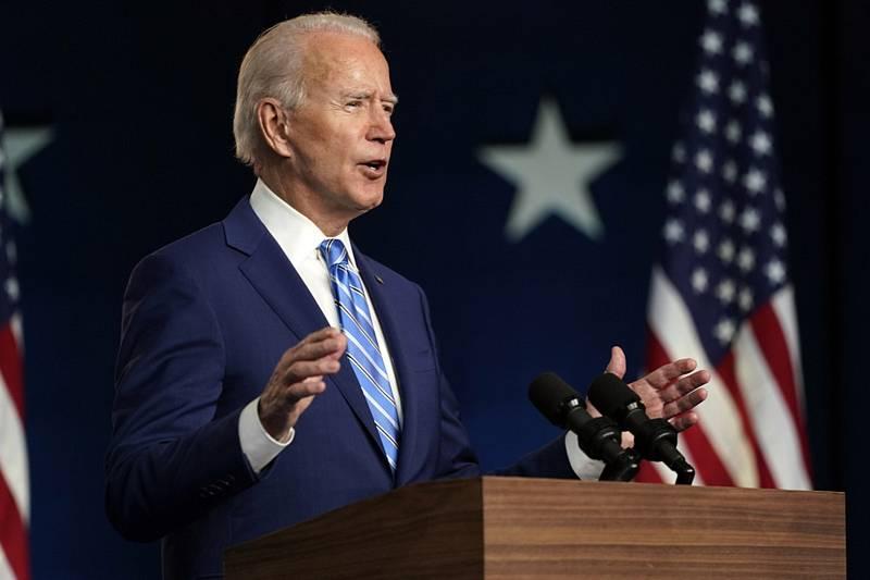 Demokratický prezidentský kandidát Joe Biden během svého vystoupení k průběžným výsledkům voleb ve městě Wilmington ve státě Delaware