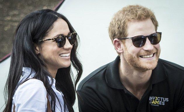 Britský princ Harry a americká herečka Meghan Markle