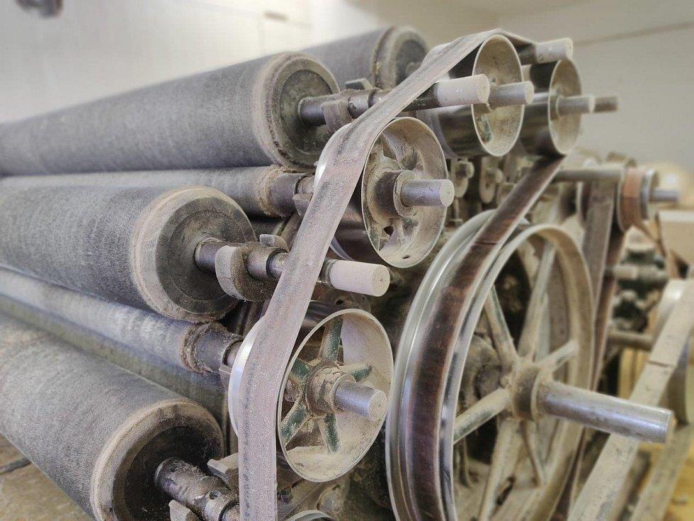 Krampl stroj na mykání vlny z 30. let