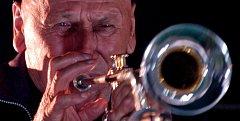 Trumpetista Laco Deczi