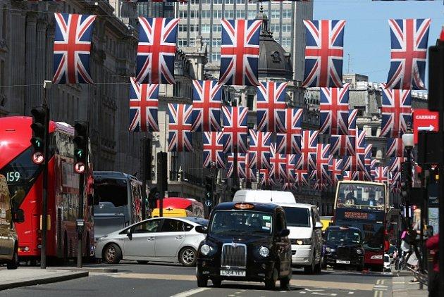 Výzdoba Londýna před britskou královskou svatbou