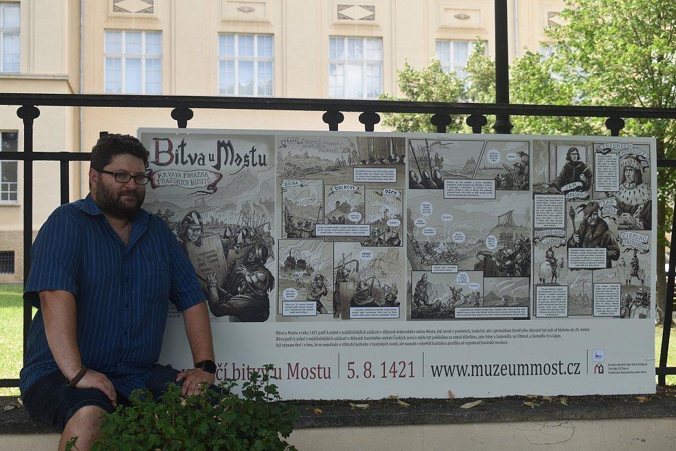 Komiks je veřejnosti dostupný ve velkoformátové podobě u budovy muzea, ke stažení je ale také zdarma na webových stránkách instituce.
