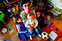 Veronika Doňarová se dětem hodně věnuje. A nejen těm třem svým.