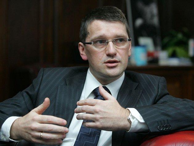 Slovenský ministr kultury Marek Maděrič  chce zákon na ochranu spisovné slovenštiny.