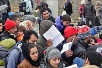 Uprchlíci na Srbsko-makedonské hranici.