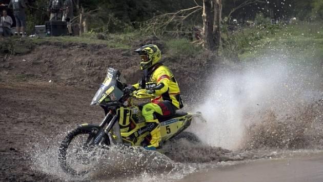 Dakar trápí počasí. Vyprávět by o tom mohl i slovenský motocyklista Štefan Svitko (na snímku)