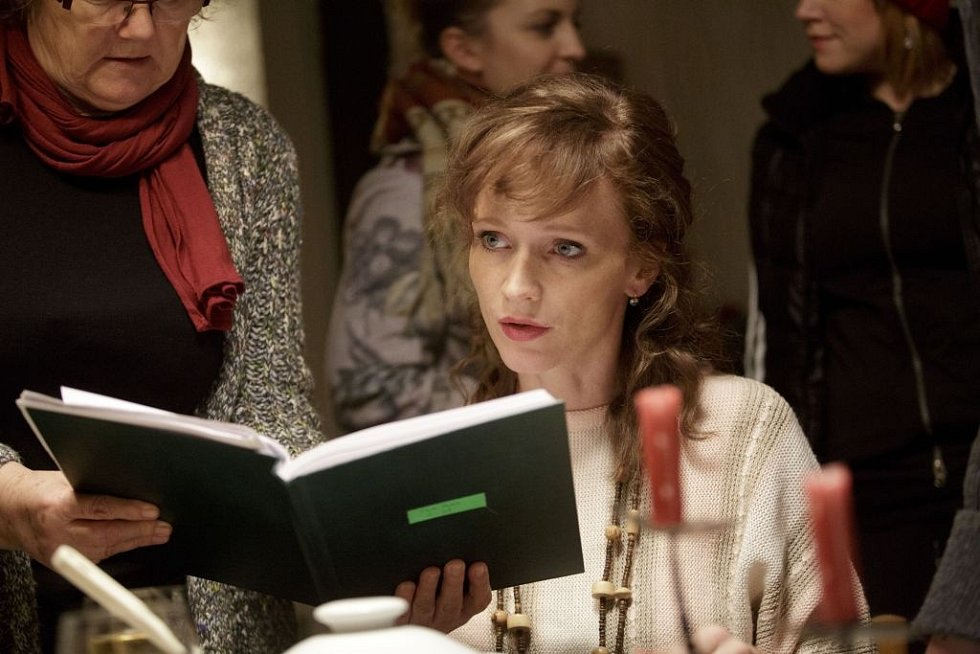 Film Fair play režisérky Andrey Sedláčkové, kde se v hlavních rolích objeví Aňa Geislerová a Judit Bárdos, se natáčí v těchto dnech v pražských ateliérech na Barrandově. Snímek je z 28. února.