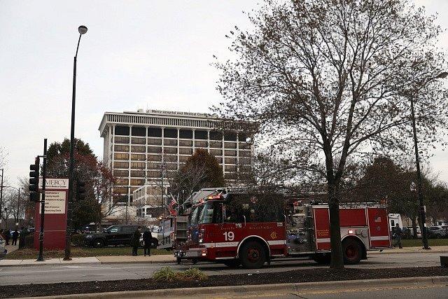 Střelba v nemocnici Mercy v americkém Chicagu