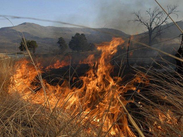 Požáry stále trápí chorvatské vnitrozemí i okolí Splitu.