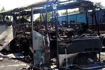Bombový útok na autobus s izraelskými turisty ve východobulharském letovisku Burgas.
