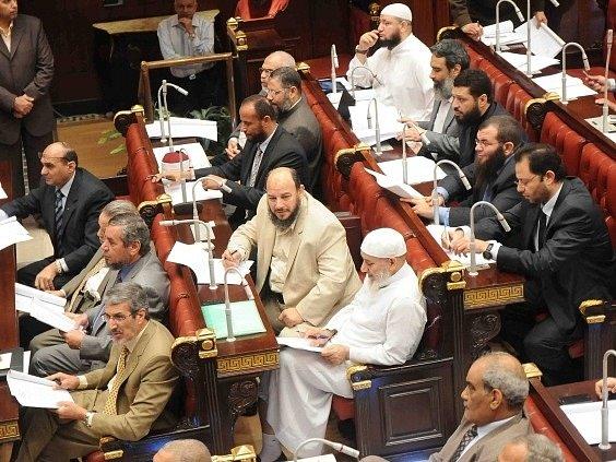 Egyptské ústavodárné shromáždění schválilo návrh nové ústavy
