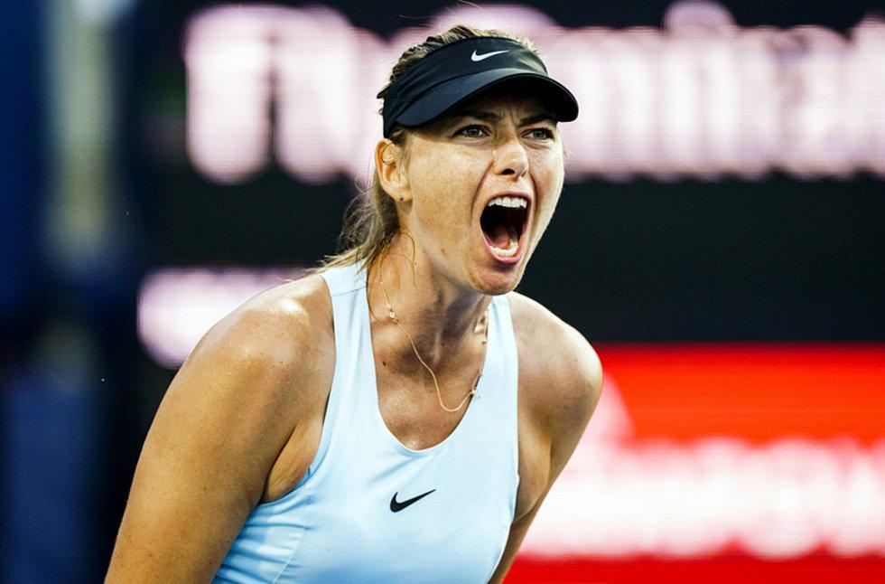 Ruská tenistka Maria Šarapovová v utkání 1. kola v Torontu
