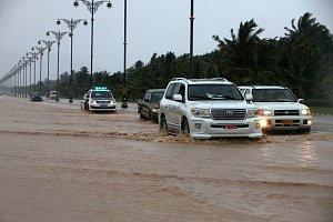 Cyklón Mekunu dorazil do Ománu.