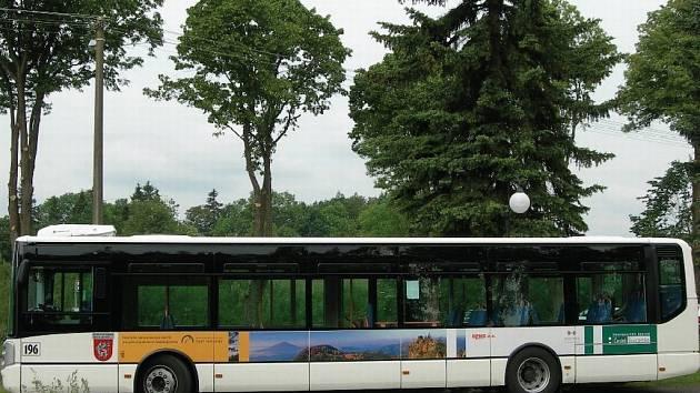 Ekologický autobus v Českém Švýcarsku.