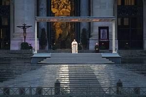 Papež František při páteční bohoslužbě