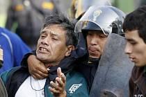 Peruánská města demonstrují na podporu amazonských indiánů.
