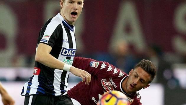 Jakub Jankto (vlevo) z Udinese při utkání s FC Turín.