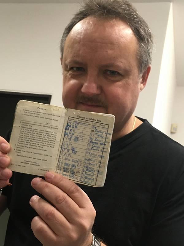 Rekordmana, který daroval krev stokrát, má ve svých řadách i Deník – je jím šéfredaktor Slováckého deníku Pavel Bohun