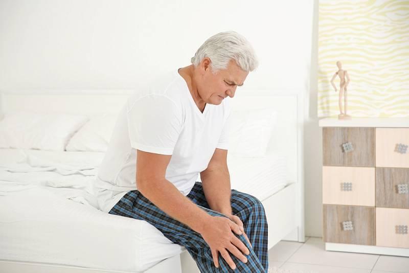 Bezdůvodnou bolest kolene a lýtek není radno podceňovat.