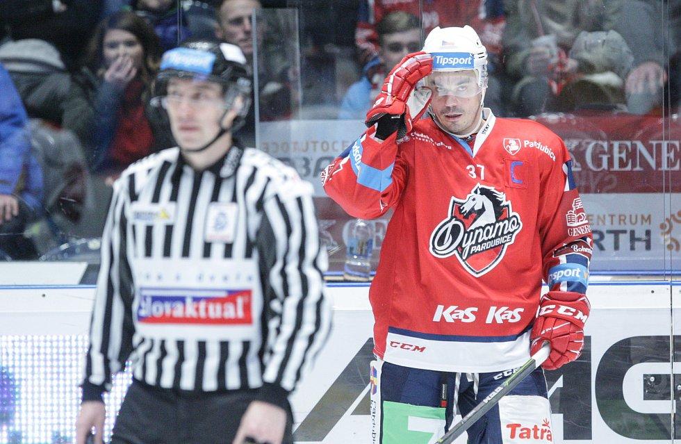 Útočník Petr Sýkora po ukončení profesionální kariéry zakotví v druholigovém Vrchlabí.