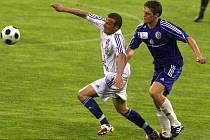 Fotbalisté Vítkovic (v bílém) hráli doma s Třincem 1:1.