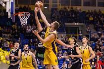 Basketbalisté Opavy v utkání s Nymburkem