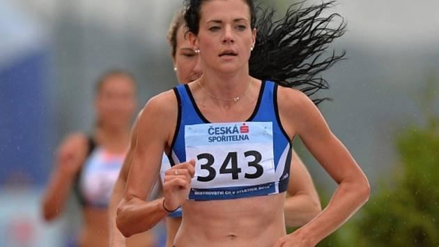 Kristiina Mäki v závodu na 5000 metrů.
