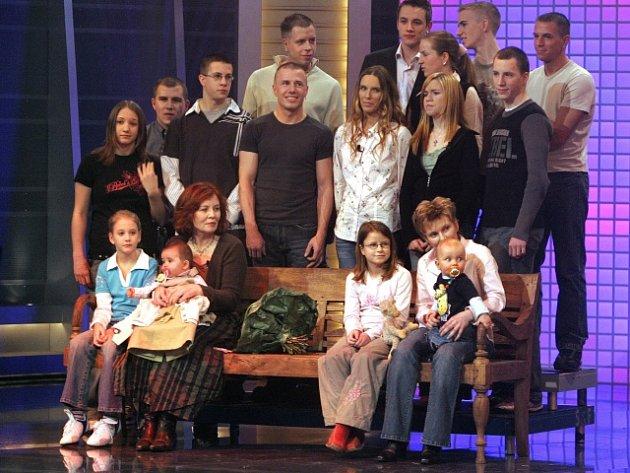 Annegret Raunigková (vpředu druhá zleva) na snímku z roku 2005.