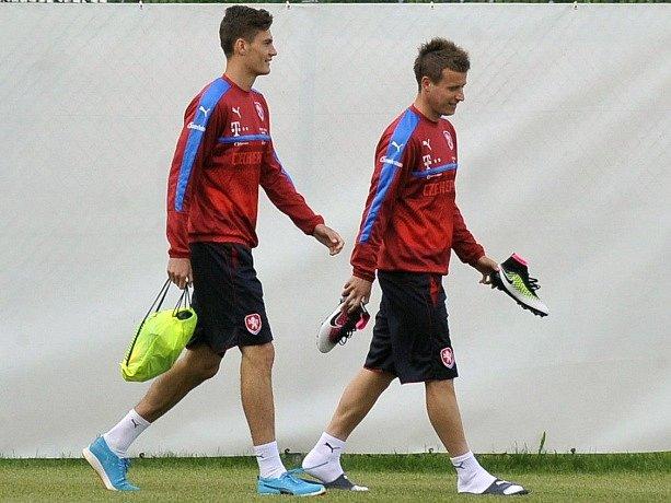 Zleva útočník Patrik Schick a záložník Lukáš Mareček na tréninku reprezentace.