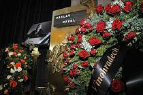 Poslední rozloučení s bývalým prezidentem Václavem Havlem v pátek 23. prosince 2011 v obřadní síni strašnického krematoria v Praze.