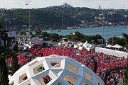 Istanbul, demonstrace k 1. výročí nezdařeného státního převratu