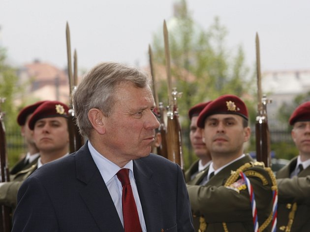 Předseda vlády ČR Mirek Topolánek přijal v Praze generálního tajemníka NATO Jaapa de Hoopa Scheffera.