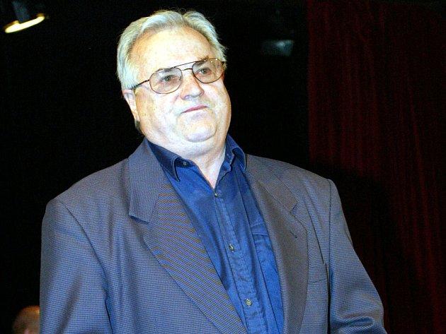 Herec Bronislav Poloczek.