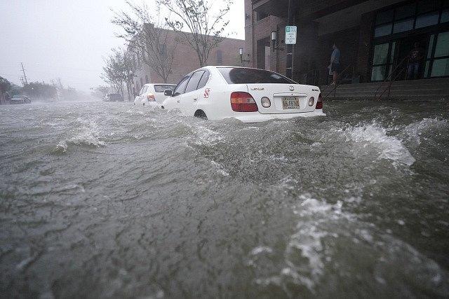 Hurikán Sally zanechal v USA spoušť.