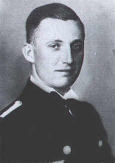 První kapitán ponorky U-123 Karl Heinz Moehle, který jí velel do května 1941