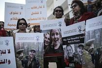 Pietní akce v Maroku kvůli zavražděným turistkám.