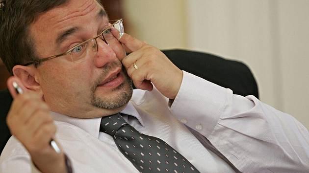 Ministr školství, mládeže a tělovýchovy Josef Dobeš.