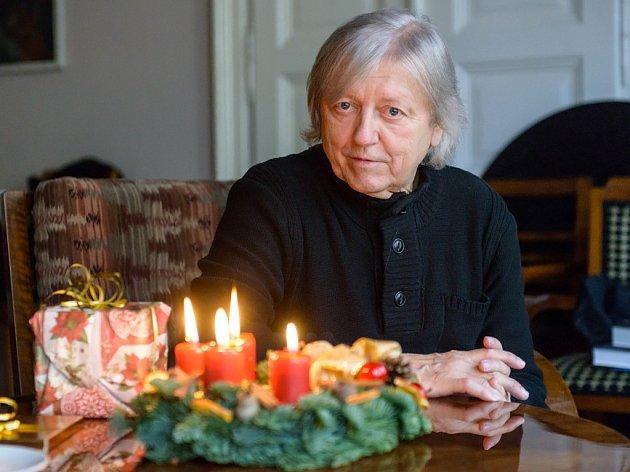 Václav Neckář koncem října vydal nové vánoční  album MEZI SVÝMI.