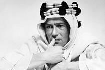 Peter O'Toole ve filmu Lawrence z Arábie na snímku z roku 1961.