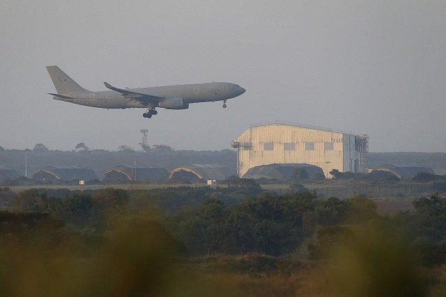Britský letoun na základně na Kypru.