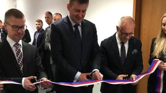 Ministr zahraničí Tomáš Petříček otevřel nový český generální konzulát v britském Manchesteru.