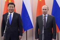 Vladimir Putin s čínským prezidentem Si Ťin-pchingem.