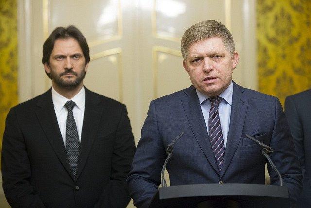 Zleva: Robert Kaliňák a Robert Fico (oba Smer).