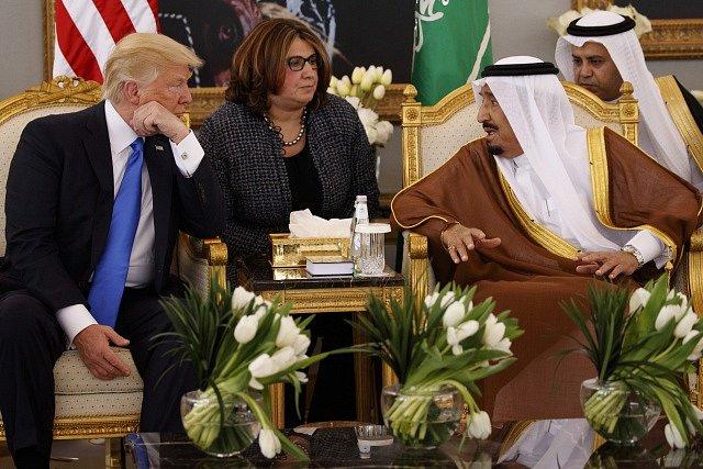 Donald Trump a saudský král Salmán bin Abd al-Azíz