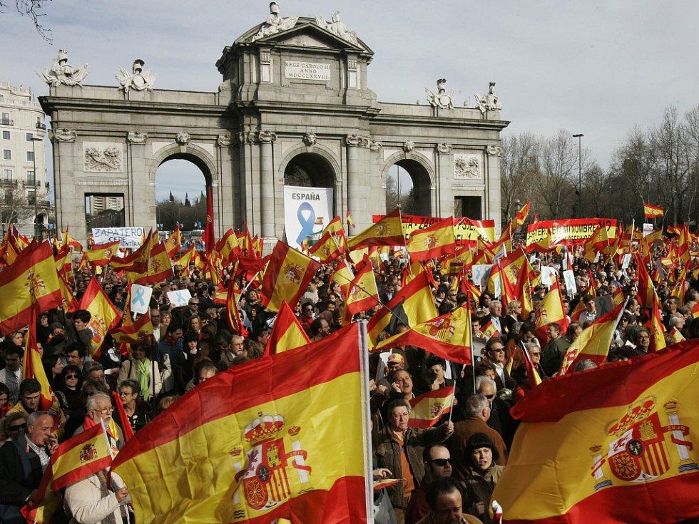 Demonstrace proti aktivitám baskických separatistů ve Španělsku.