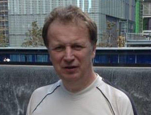 Ředitel kutnohorského gymnázia Jiřího Ortena Vladislav Slavíček.