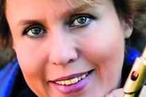 Je jediná z českých ženských interpretek, která bude mít sólový recitál na právě probíhajícím festivalu Pražské jaro. Flétnistka Žofie Vokálková se na něm představí v doprovodu klavíristy Martina Fily, a to 30. května v Anežském klášteře.